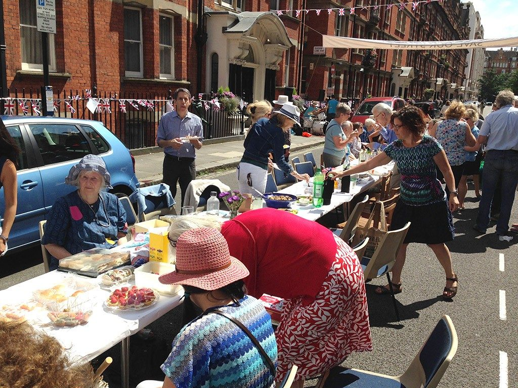 street-party-table
